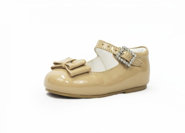 Beige Patent Shoes With Bow Feature